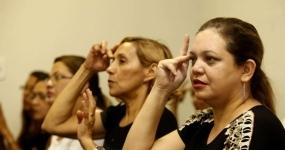 1527_educacao-trabalhando-com-deficientes-auditivos-atraves-do-metodo-de-l