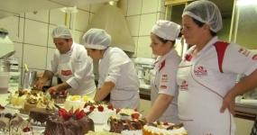 350_culinaria-montagem-de-bolos-e-tortas