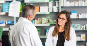 52_saude-atendente-de-farmacia