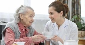 960_assistencia-social-cuidadores-de-pessoas-com-necessidades-especiais