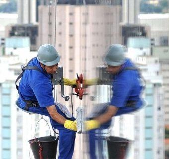 limpador-de-vidros-em-altura-e-fachadas